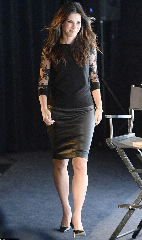Sandra Bullock Beine