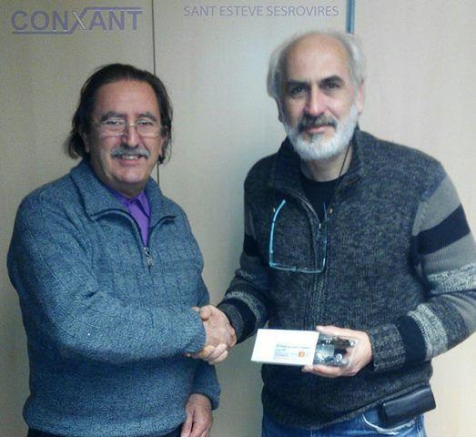 FELICITATS!!! Dani Rodellas recollint el premi.