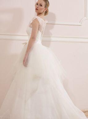 Model 1307 Zapraszamy na przymiarki naszych sukienek w pracownii. Znajdziecie tu #tiulowe# #koronkowe# #muslinowe# i inne, zawsze #eleganckie# #suknie# #ślubne#