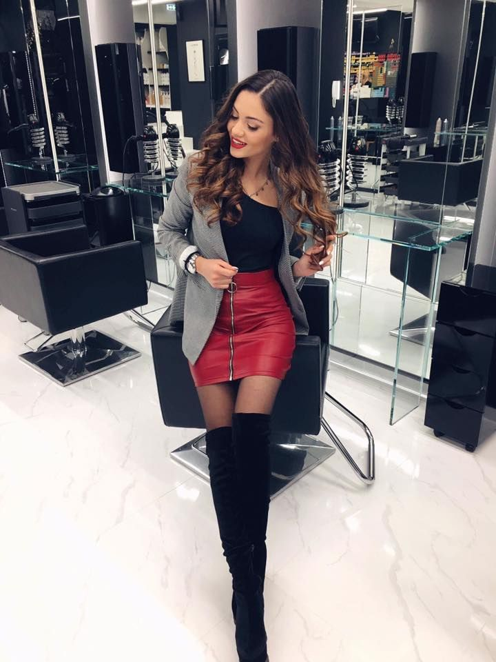 Beautiful Anna stays classy with our red mini leather skirt ^limited quantity^ Skirt 👉🏻https://goo.gl/F2ByU8
