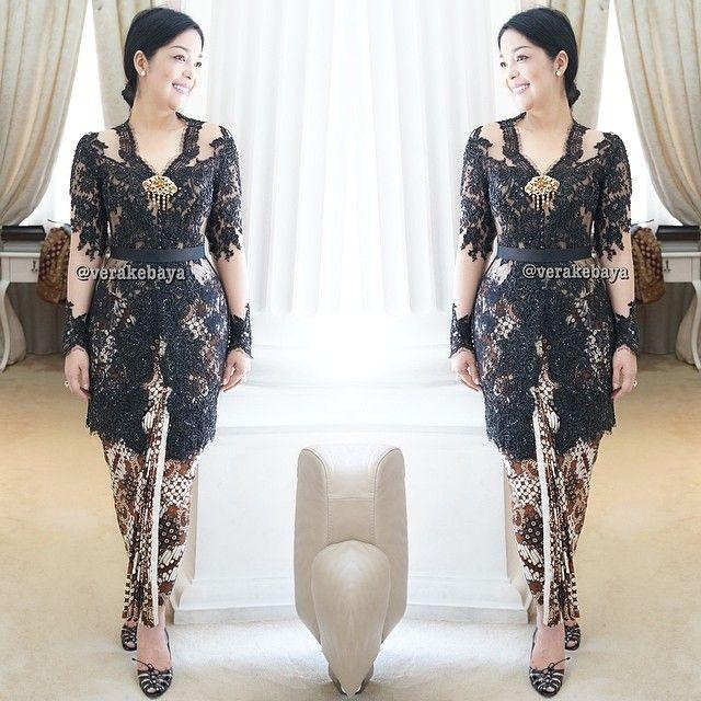 Fitting ... #kebaya #partydress #lace #batik #beads #swarovskicrystals #fashion #verakebaya ❤️❤️❤️ ....thanks mba @Lola M Siahaan