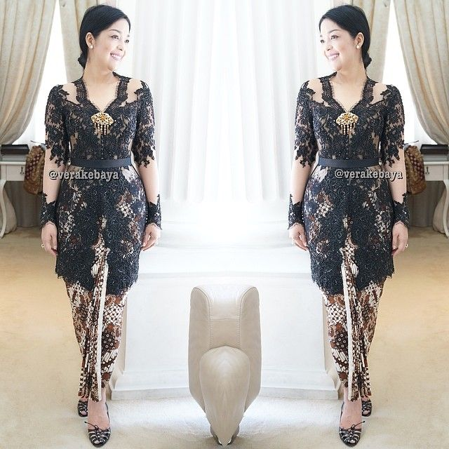 Fitting ... #kebaya #partydress #lace #batik #beads #swarovskicrystals #fashion #verakebaya ❤️❤️❤️ ....thanks mba @Lola Siahaan