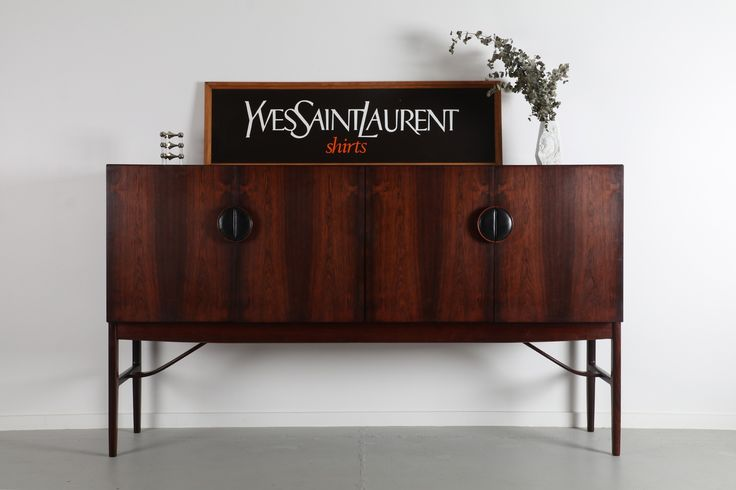 IB KOFOD-LARSEN 'MODEL 4060' SIDEBOARD FOR G-PLAN  / Mr. Bigglesworthy - Mid Century Modern and Designer Retro Furniture