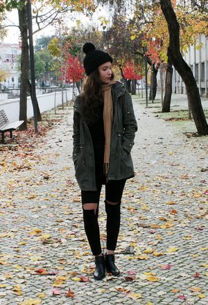 Look by @minmay with #bershka #primark #jeans #blackboots #stradivarius #winter #jackets #beanies #ripyourjeans #blackpants #darkgreencoats.