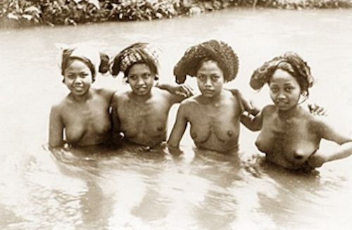 native nude girls bathing