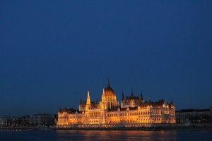 Dai luoghi d'interesse al gulasch, passando per i bagni termali. Una guida completa per un week end nella capitale ungherese Budapest