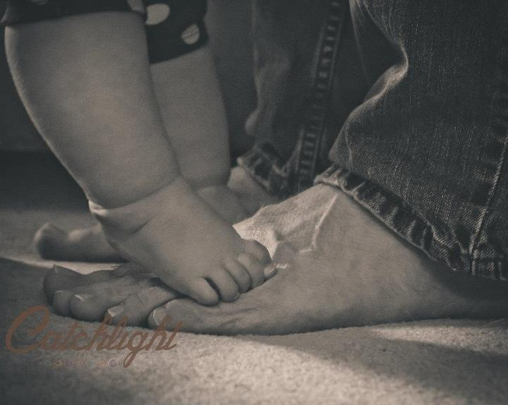 six (6) month infant / baby photo shoot   Daddy and Baby feet  Photo by Catchlight Photography by Kristen