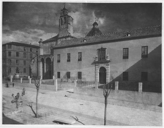 Colegio Mayor Santa Cruz (Iglesia de Santo Domingo)
