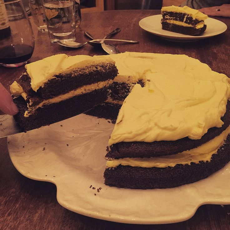 Thiscake will quieten even the most rowdy of dinner party tables. It can cause the happiest of married couples to fiercelyargue over the leftovers. Aftereating the last remaining slice of this c…