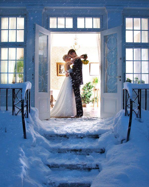 Winter Weddings - Winter Wedding Tips | Wedding Planning, Ideas & Etiquette | Bridal Guide Magazine
