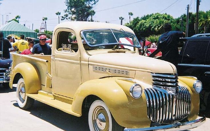 Photo 1946 Chevy Truck | 1946 Chevrolet Pickup Front Left View Photo 7