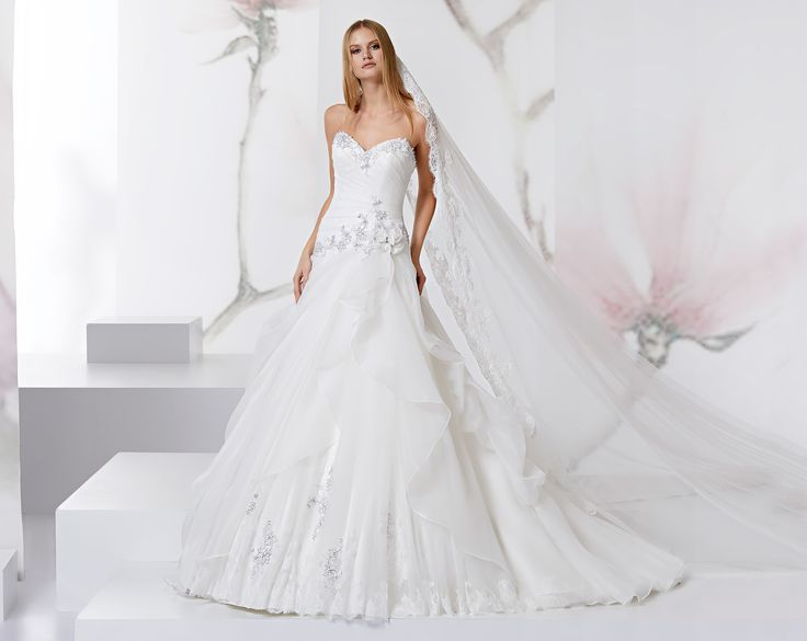 Magical dress in gauze, tulle, with beaded ribbon lace
