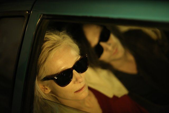 Still of Tilda Swinton and Tom Hiddleston in Only Lovers Left Alive (2013)