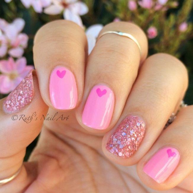 Valentinstag Nageldesigns, die die pure Liebe zeigen - Elegante pink Maniküre für Valentinstag