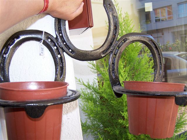 crafting+with+horse+shoes | WALL HANGING PLANT HOLDER, MADE FROM HORSESHOES For Sale | Antiques ...