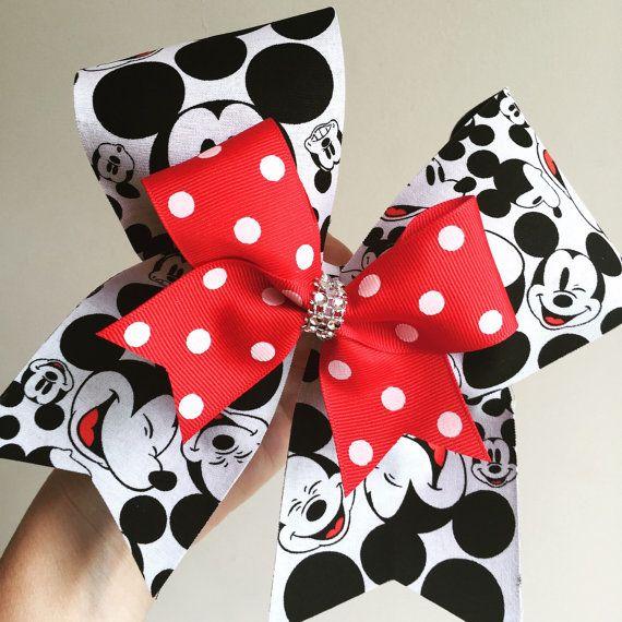 Arco de Bravo Mickey Mouse Deluxe con mini arco