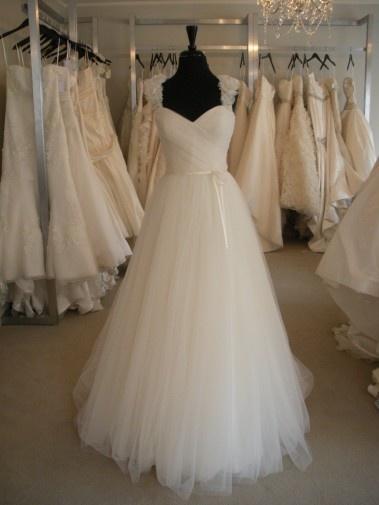 lovely: Wedding Dressses, Used Wedding Dresses