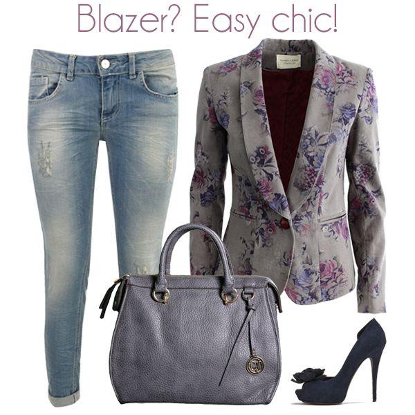 Blazer? Giorgia&Johns te lo propone in versione easy chic! shop the look! Blazer ---> http://bit.ly/1pqieF5 Jeans ---> http://bit.ly/1qWQfjh Borsa ---> http://bit.ly/10lpn3U