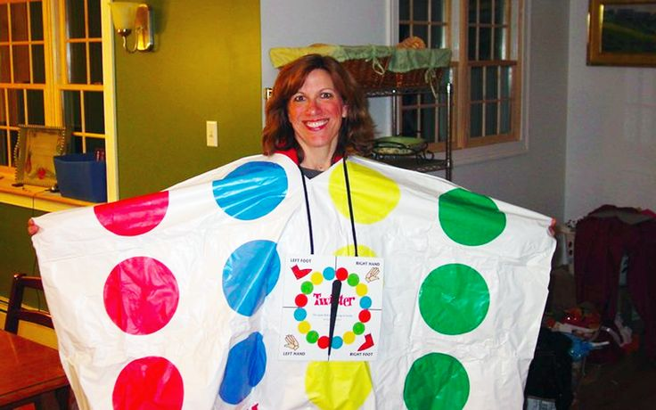 Best 25 twister costume ideas on pinterest twister for Diy scrabble costume