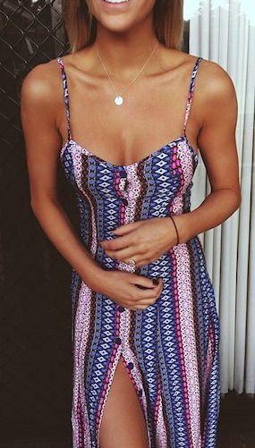 Imagen vía We Heart It https://weheartit.com/entry/143145685 #boho #clothes #dress #fashion #freedom #girl #model #necklace #outfit #perfect #style #tan #vintage