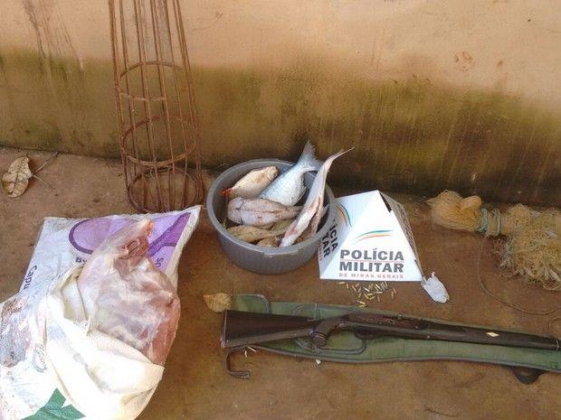#News  Pescador é preso com 15 quilos de carne de capivara em Unaí