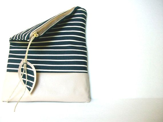 NAUTICAL PURSE   / blue and beige bag / blue zipper by Hashibags on Etsy.