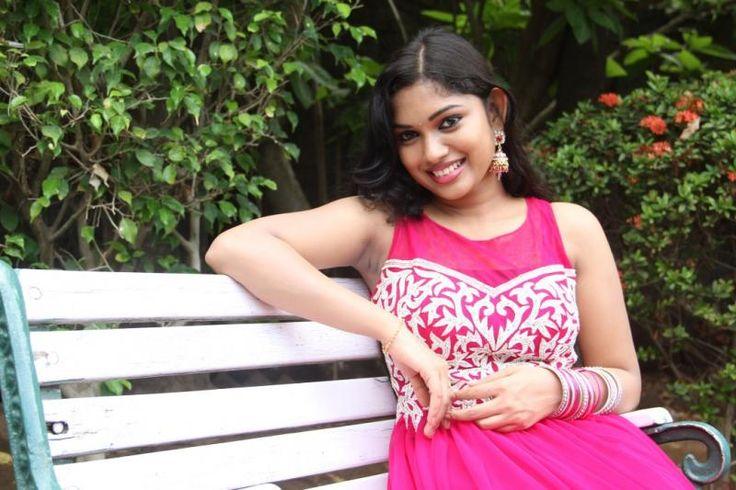 Vandha Mala (Tamil) Full Movie Online Free Download