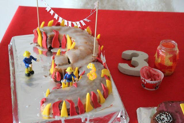 Feuerwehr Geburtstag Kindergeburtstag Feuerwehrmann Sam Jules kleines Freudenhaus Snacks Feuerwehrkuchen 3 Geburtstag