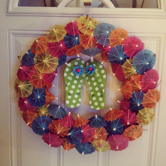 Paper umbrella and flip flop wreath