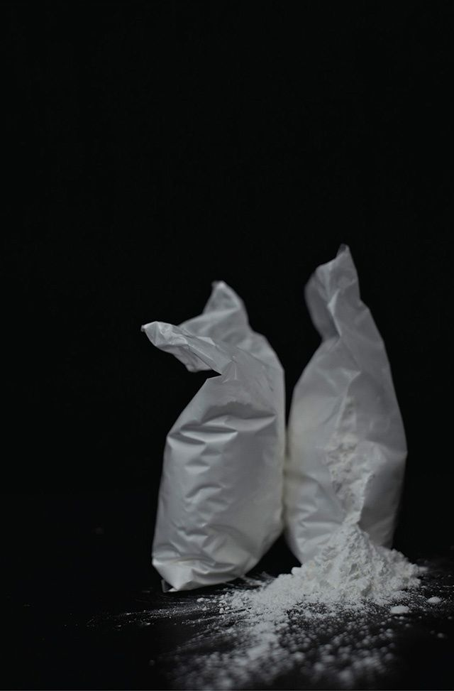 Henry Hargreaves's Photos of What Famous Musicians Eat Backstage | VICE | United States