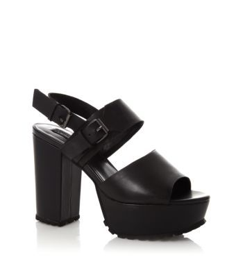 Womans Cleated Shoes Fashion