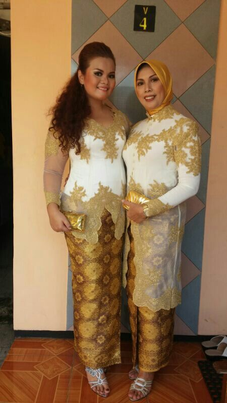 With my mother in #kebaya