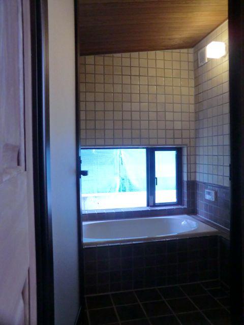 程々の家 タイル施工風呂