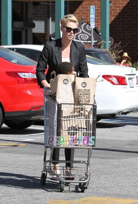 Charlize Theron & Jackson Stop At Whole Foods!