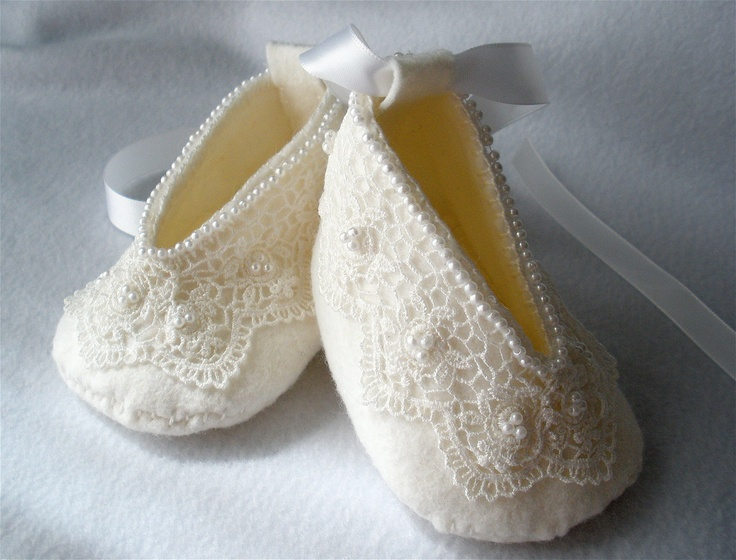 I'm speechless. So dainty, so perfect.  White Booties, via Etsy.