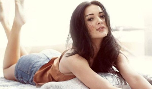Amy Jackson surprises her family on Easter!