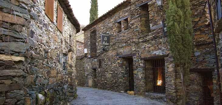 Si vas de turismo por laSierra Norte de Madridno puedes dejar de visitarPatones, una de las villas más bonitas y emblemáticas de la cuenca del Jarama. E en Madrid