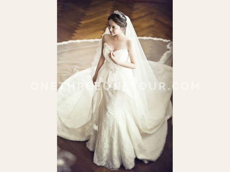 White | Korean Pre-wedding Photography by Pium Studio on OneThreeOneFour 4