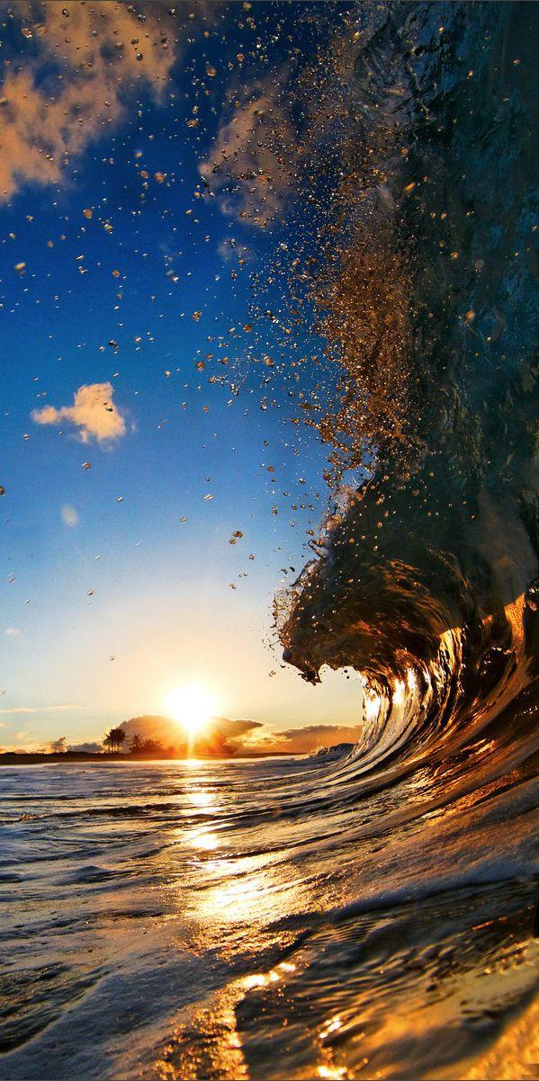 Beautiful Ocean Waves..