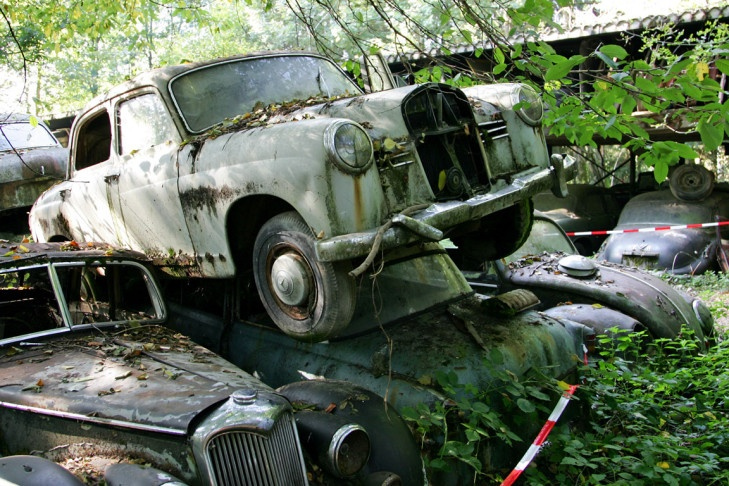 scrap yard in switzerland hosting many hot classics