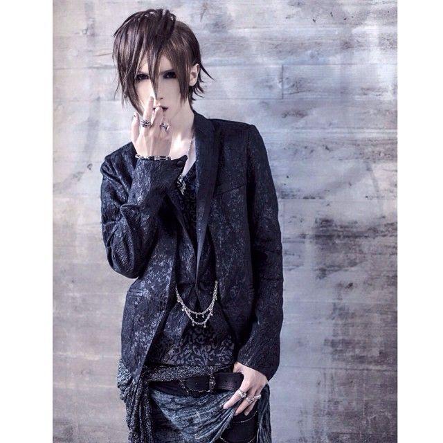 YOHIO @yohio Instagram photos | Websta (Webstagram)