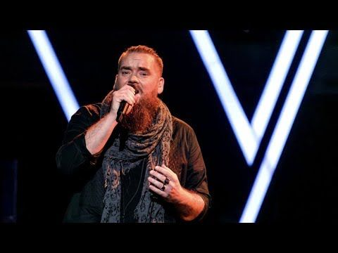 Thomas Løseth - Let Me Hold You (The Voice Norge 2017) - YouTube