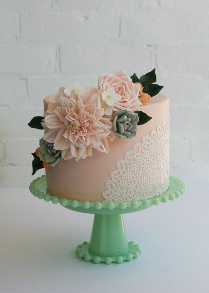 erica obrien peach cake with edible lace doily