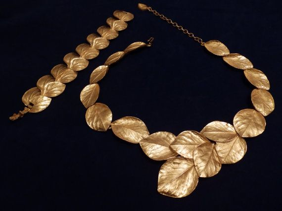 Trifari Set Brushed Gold Tone Leaf  Necklace and Earring Set