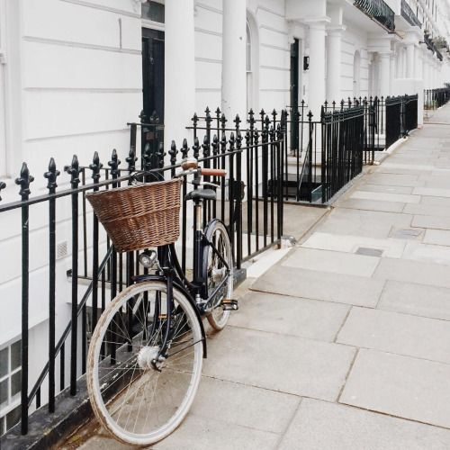 Matloboes morning at notting hill gate life is for Minimalist living by genevieve parker hill
