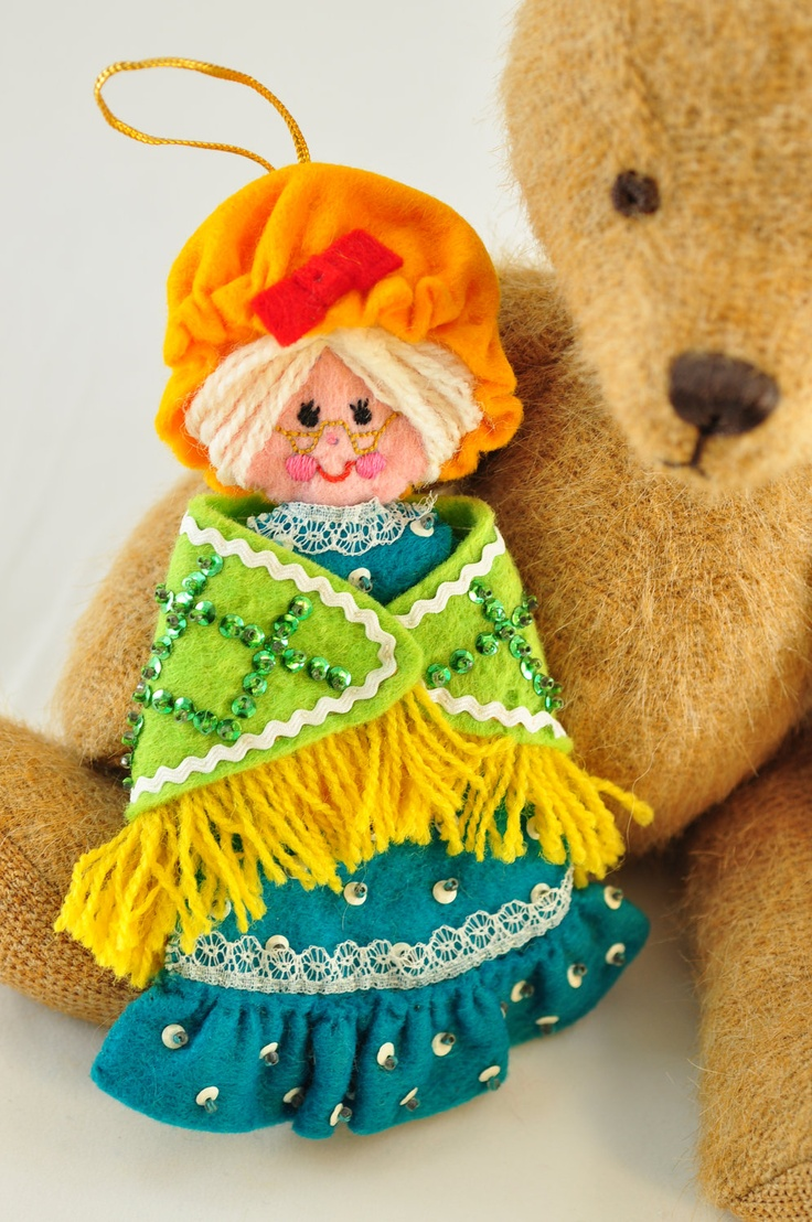 Mrs. Claus or grandma felt ornament
