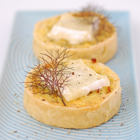 ... and savoury tart ideas on Pinterest | Bacon, Smoked salmon and Onions
