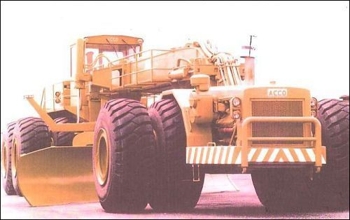 ACCO biggest motor grader in the world - Google Search.About 1500hp.THe largest motor grader ever built & the only one built