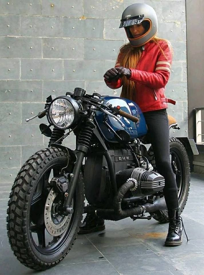 W E E K E N D Bea González Eguiraun On A Bmw By Roa Motorcycles