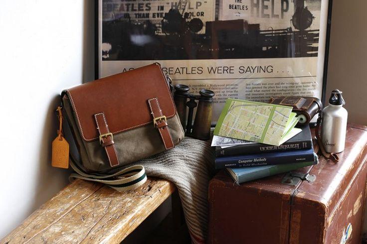 土屋鞄製造所×TRANSITで特別コラボの旅バッグを数量限定で発売